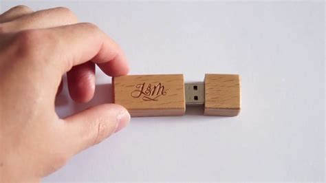 Wood-Flash-Drive-Diy