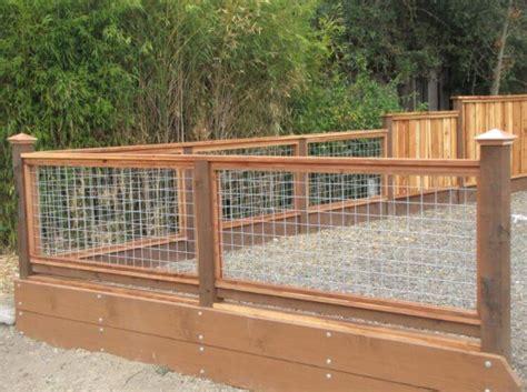 Wood-Framed-Hog-Wired-Fence-Plans