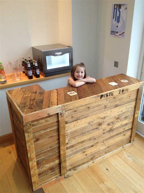Wood-Pallet-Diy-Bar