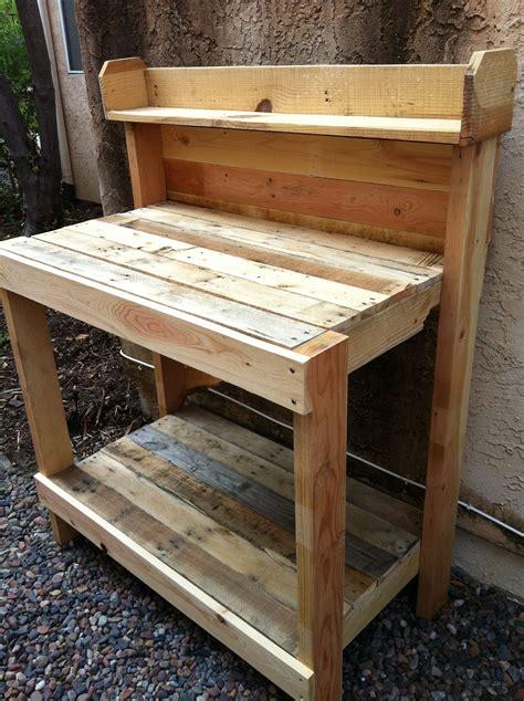 Wood-Pallet-Potting-Table-Plans