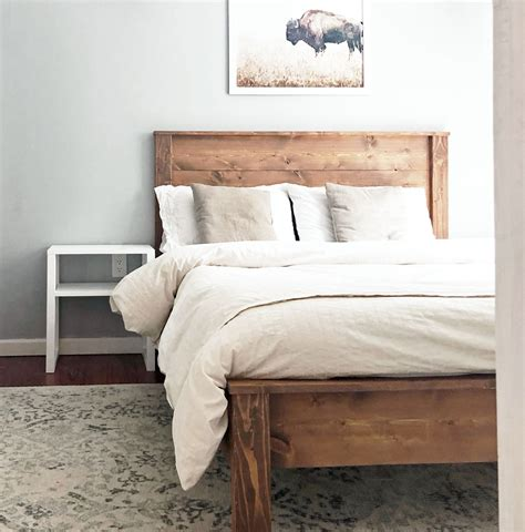Wood-Panel-Bed-Frame-Diy