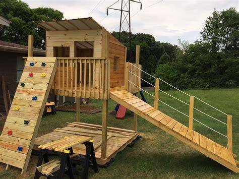 Wood-Playhouse-Swing-Set-Fort-Plans