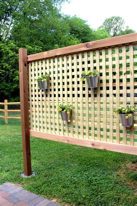 Wood-Privacy-Screen-Diy
