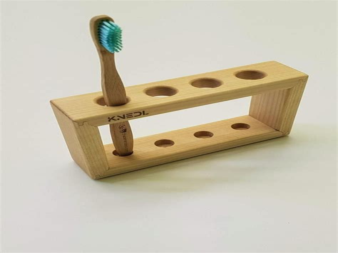 Wood-Toothbrush-Holder-Plans