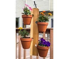 Best Wood plant hanger plans
