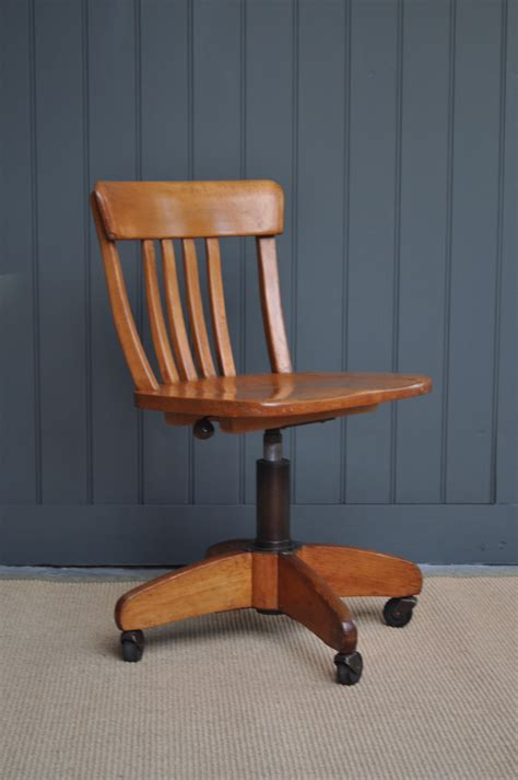 Wooden Desk Chair DIY