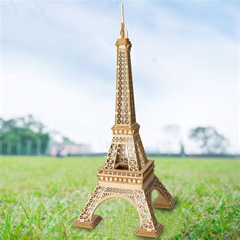 Wooden Eiffel Tower DIY