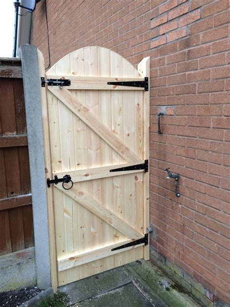 Wooden Garden Gate Building Plans