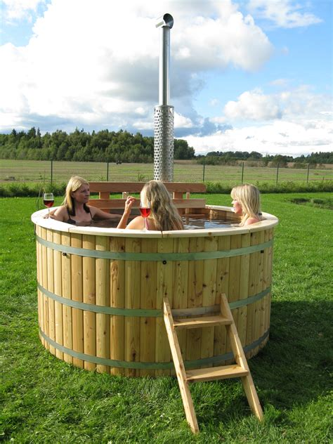 Wooden Hot Tub Pictures