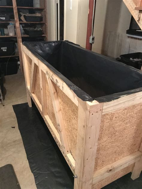 Wooden Worm Bin Construction