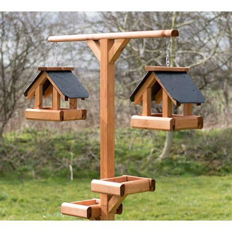 Wooden-Bird-Feeding-Station-Plans