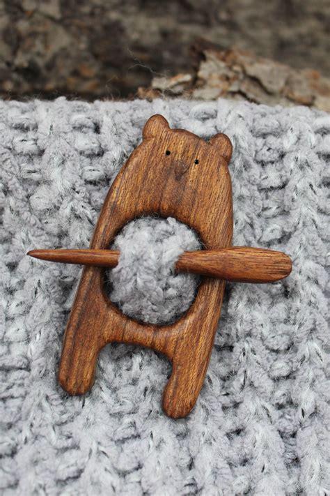 Wooden-Brooch-Diy