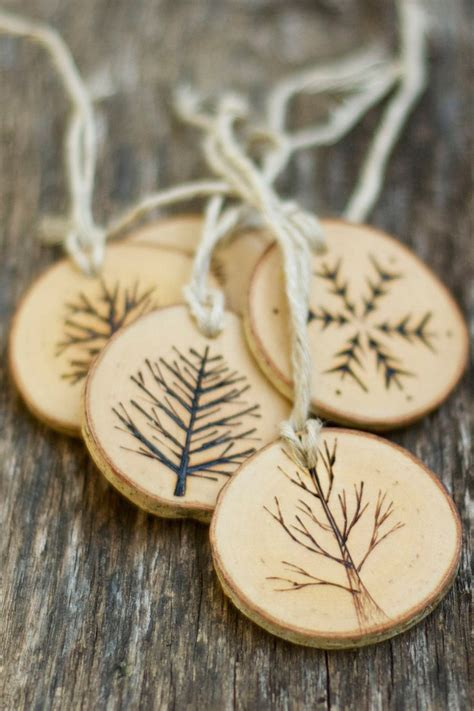 Wooden-Christmas-Tree-Ornaments-Plans