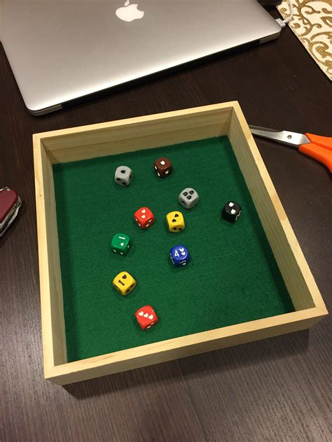 Wooden-Dice-Tray-Diy