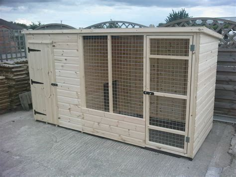 Wooden-Dog-Kennel-And-Run-Plans