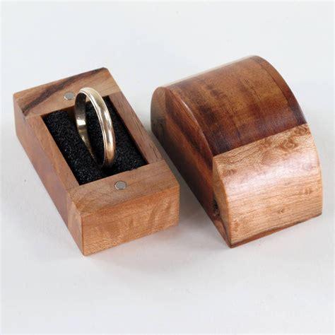 Wooden-Engagement-Ring-Diy