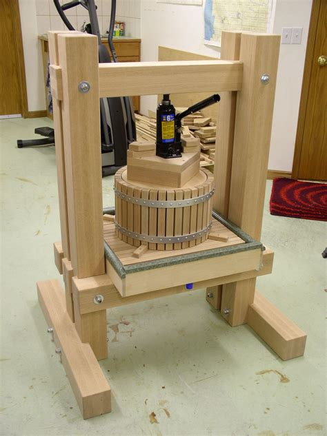 Wooden-Fruit-Press-Plans