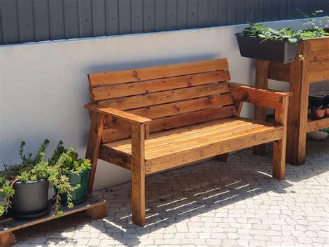 Wooden-Garden-Bench-Diy