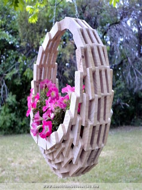 Wooden-Hanging-Baskets-Plans