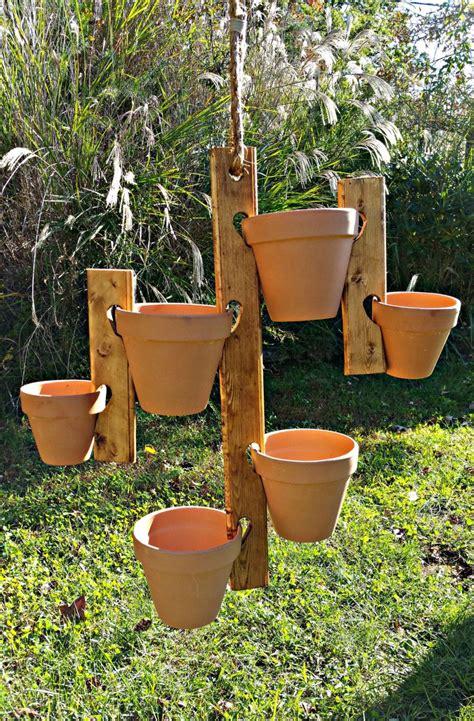 Wooden-Hanging-Flower-Pot-Holder-Plans