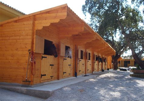 Wooden-Horse-Stable-Plans