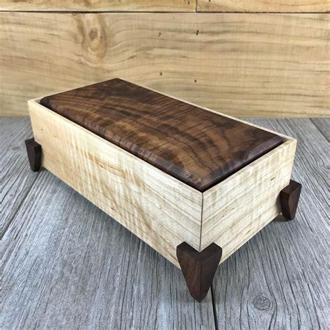 Wooden-Keepsake-Box-Diy