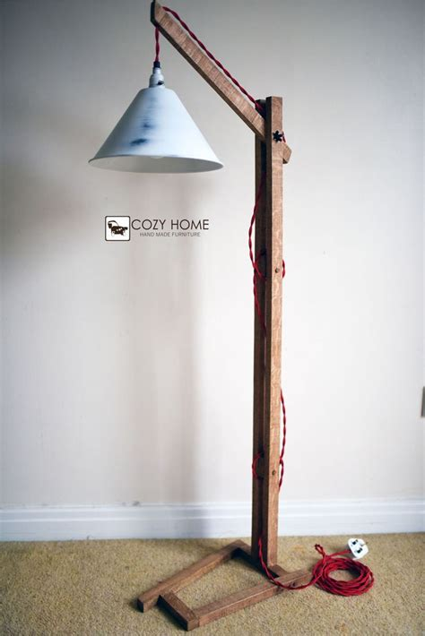 Wooden-Lamp-Stand-Plans