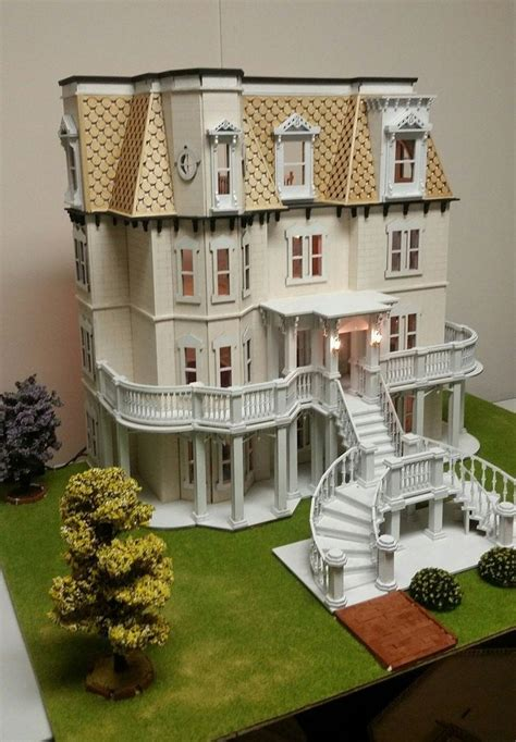 Wooden-One-Room-Dollhouse-Plans