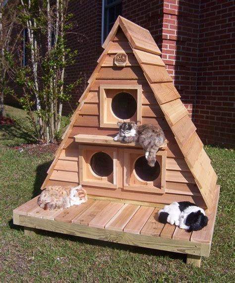 Wooden-Outdoor-Cat-House-Plans
