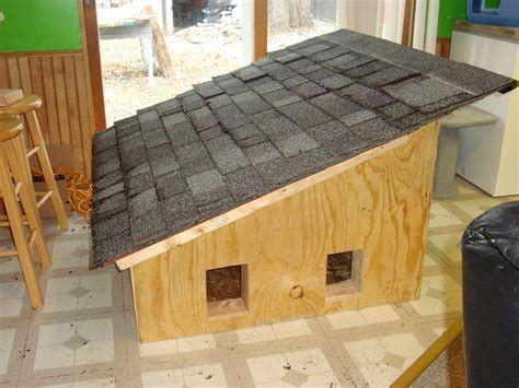 Wooden-Outside-Cat-House-Plans