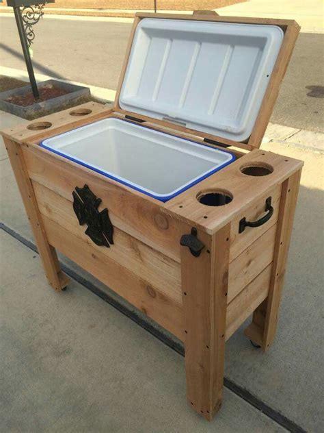 Wooden-Pallet-Cooler-Plans