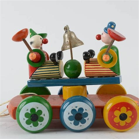 Wooden-Pull-Toy-Train-Plans