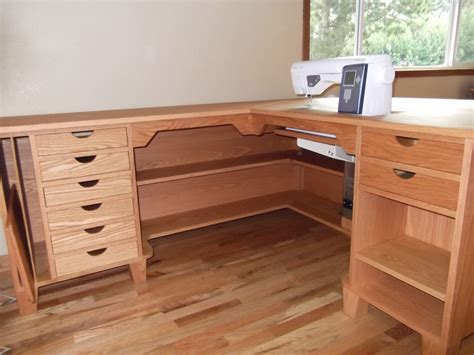 Wooden-Sewing-Table-Plans