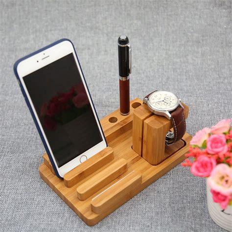 Wooden-Smartphone-Stand-Diy