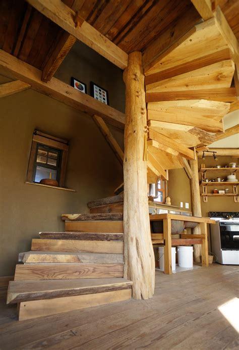 Wooden-Spiral-Staircase-Diy