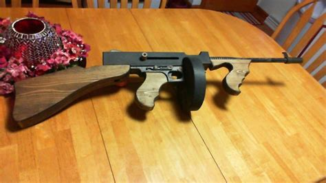 Wooden-Thompson-Submachine-Gun-Plans