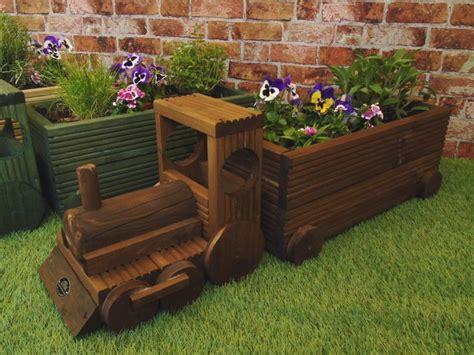 Wooden-Train-Planter-Plans