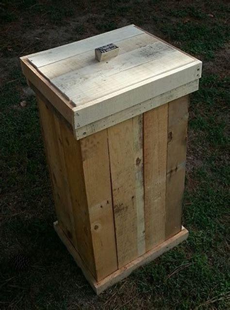 Wooden-Trash-Bin-With-Lid-Build-Plans-Pallet-Wood