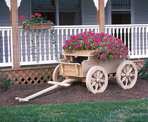 Wooden-Wagon-Planter-Plans