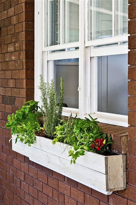 Wooden-Window-Box-Diy