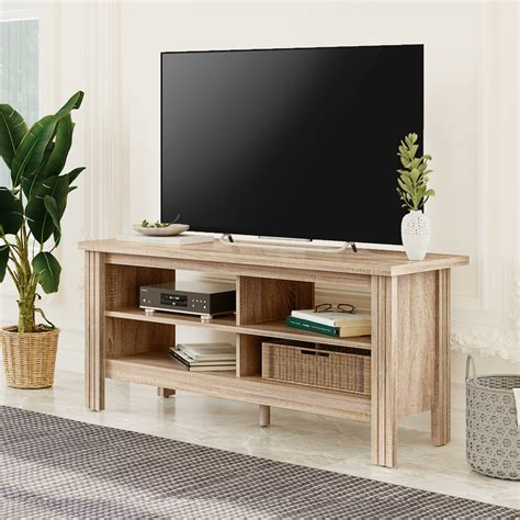 Woodwork-In-Tv-Lounge