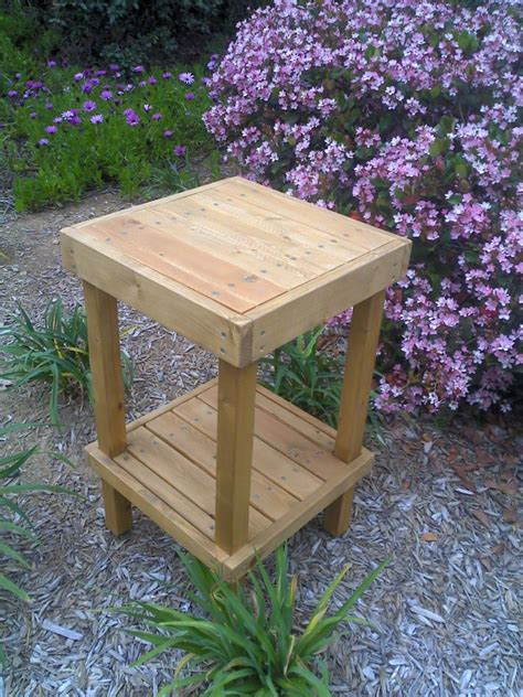 Woodworking Mobile Wooden Plant Stand Plans To Build
