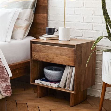 Woodworking-Bedside-Table