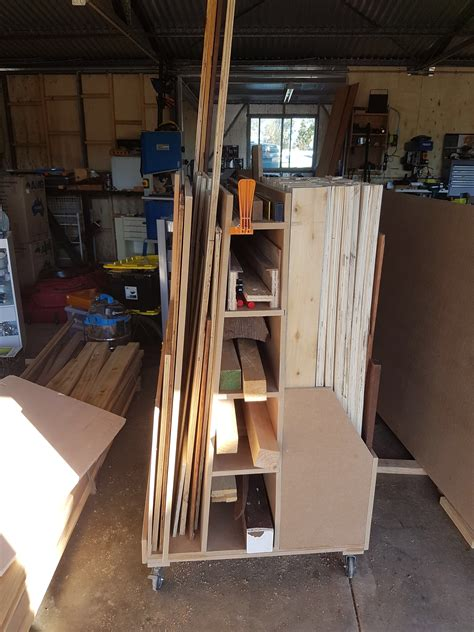 Woodworking-For-Mere-Mortals-Lumber-Cart