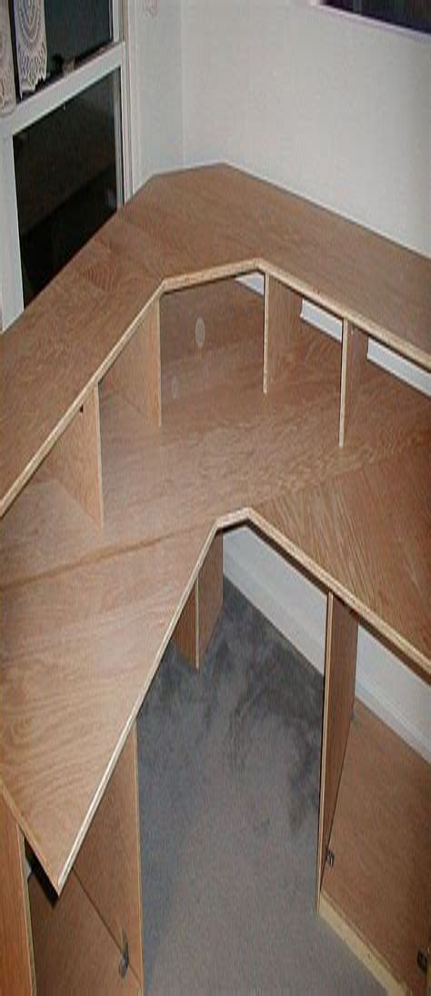 Woodworking-Plans-Corner-Desk