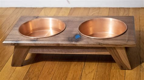 Woodworking-Plans-For-Dog-Dish-Holder