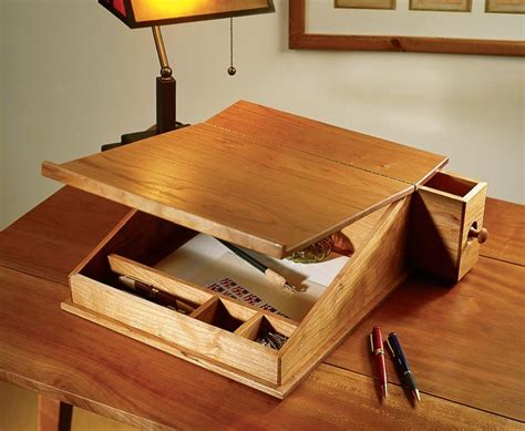 Woodworking-Plans-For-Portable-Writing-Desk