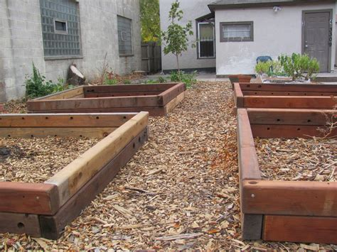 Woodworking-Plans-For-Raised-Garden-Beds