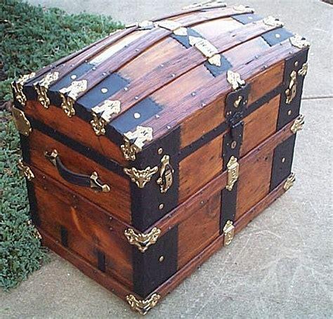 Woodworking-Plans-Humpback-Trunk