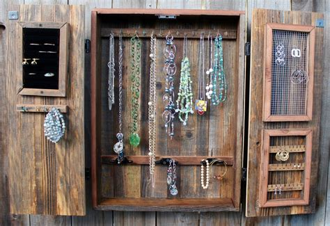 Woodworking-Plans-Jewelry-Wall-Mounted-Cabinet